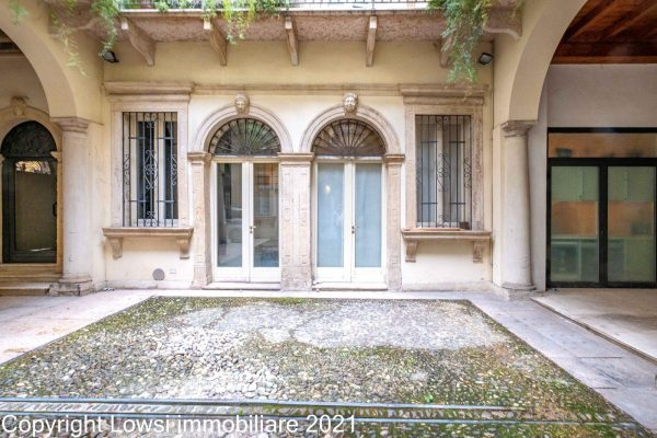 Prestigioso studio abitazione in centro a Verona